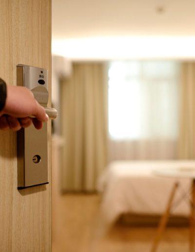 hotel-1330850_1920